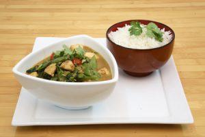 מתכון נתחי עוף בקארי ירוק ואפונה סינית